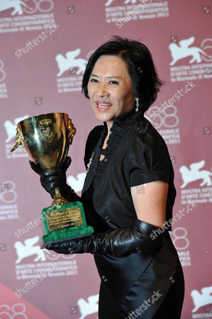 Deannie Yip with Best Actress Award
