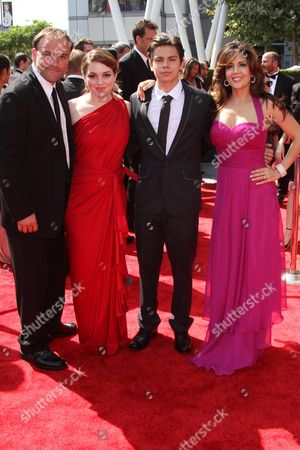 David Deluise, Jennifer Stone, Jake T Austin and Maria Canals-Barrera