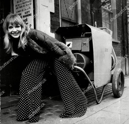 Katy Manning At The Apollo Theatre With Her Own Generator