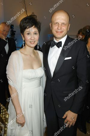 Stock Picture of Michelle Ong and David Zacharias
