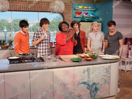 Rusty Lee with One Direction - Zayn Malik, Liam Payne, Harry Stiles, Louis Tomlinson, Niall Horan