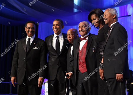 Chairman Emanuel Cleaver II, President Barack Obama, Representative John Lewis, Reverend Joseph Lowery, First Lady Michelle Obama and CBC Foundation Chairman Donald Payne