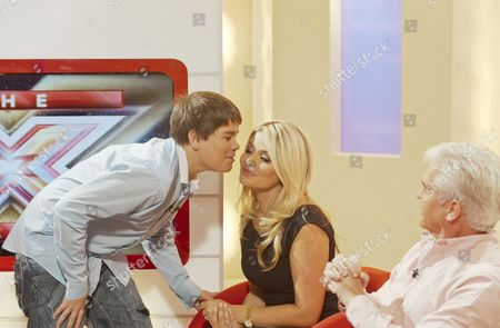 Luke Lucas kisses Holly Willoughby