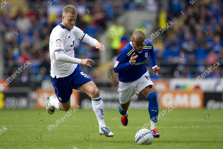 Leicester City defender Matt Mills and Cardiff City striker Robert Earnshaw in action