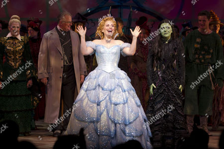 Julie Legrand (Madame Morrible), Clive Carter (The Wonderful Wizard of Oz), Louise Dearman (Glinda), Rachel Tucker (Elphaba), Mark Evans (Fiyero) and Zoe Rainey (Nessarose)