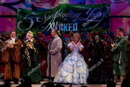 Julian Forsyth (Doctor Dillamond), Julie Legrand (Madame Morrible), Clive Carter (The Wonderful Wizard of Oz), Louise Dearman (Glinda), Rachel Tucker (Elphaba), Mark Evans (Fiyero) and Zoe Rainey (Nessarose)
