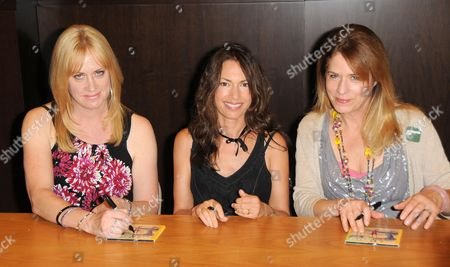 The Bangles - Susanna Hoffs, Debbi Peterson, Vicki Peterson