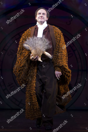 Julian Forsyth (Doctor Dillamond)