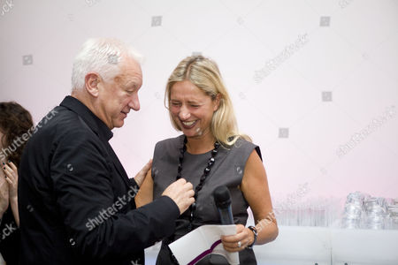 Michael Craig-Martin and Iwona Blazwick, Director of the Whitechapel Gallery