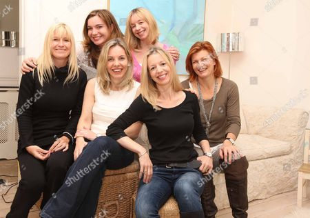 Stock Photo of Author Rosamund Lupton Whose Book 'sister' Is One Of The Fastest Selling Books On Booksellers Shelves. Here With Family And Friends L-r Back Row Sandra Leonard And Tore Orde-powlett (rosamund's Sister). Front Row L-r Michelle Matthews Amanda Jobbins Rosamund Lupton And Trixie Rowlinson. Picture: Nigel Howard Email: Nigelhowardmediaatgmail.com Tel + 44 (0) 7831 235235
