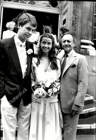 Emma Jacobs Daughter Of D.j. And Tv Presenter David Jacobs Marries Stuart Mcloud At Chelsea Register Office.