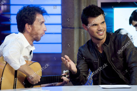 Pablo Motos and Taylor Lautner