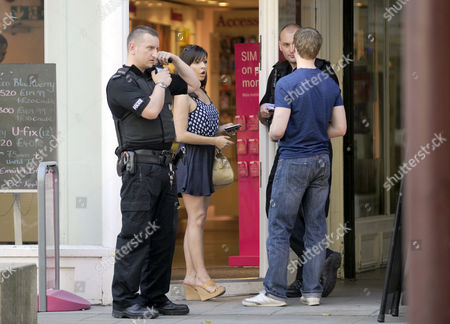 Roxanne Pallett and Neil Toon report the theft of a mobile phone