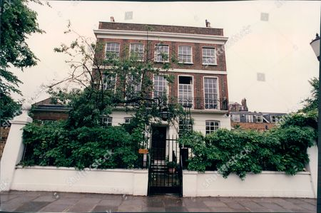 No.2 Swan Walk Chelsea London The Home Of Lord Cranborne. (for Full Caption See Version)