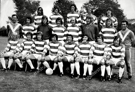 Queens Park Rangers Fc 1973/74 Back Row (l To R) John Beck Ian Gillard Ray Evans Mick Leach And Tony Hazell Middle Row (l To R) Dave Clement Richard Teale Don Givens Terry Mancini Phil Parkes And Viv Busby Front Row (l To R)john Delve Dave Thomas Stan Bowles Terry Venables Frank Mclintock Gerry Francis John O'rourke And Ian Watson