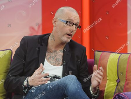 Editorial picture of 'Lorraine Live' TV Programme, London, Britain - 13 Oct 2011