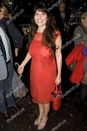 Louise English (Rosa)