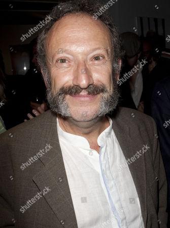 Allan Corduner (Doctor Tambourri)