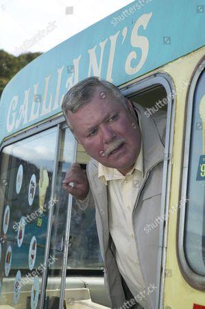 Jack Bell (Gareth Hale)
