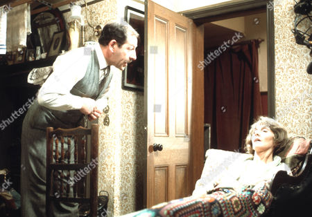 Bernard Kay as Tom Sawdon and June Brown as Lily Sawdon