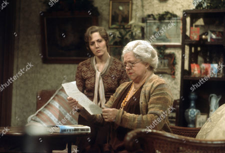 Hilary Crane as Sybil Beddows and Hermione Baddeley as Mrs Beddows