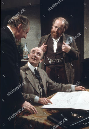 William Moore as Drew, Kenneth Waller as Tadman and Clive Swift as Alfred E. Huggins