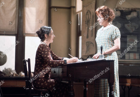 Ingrid Hafner as Dolores Jameson and Dorothy Tutin as Sarah Burton