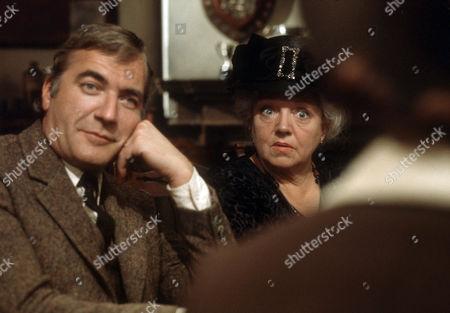 Nigel Davenport as Robert Carne and Hermione Baddeley as Mrs Beddows