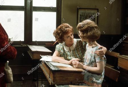 Dorothy Tutin as Sarah Burton and Judi Bowker as Midge Carne