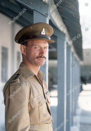 Geoffrey Beevers as Captain Kevin Coley
