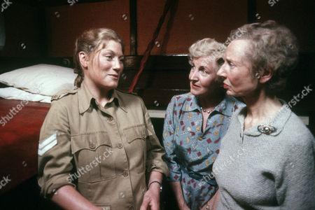 Geraldine James as Sarah Layton, Ann Castle as Mrs Perryman and Hilary Mason as Mrs Roper