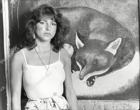 Dido Goldsmith (mrs. Peter Whitehead) 1979- Daughter Of Conservative Mp Major Frank Goldsmith. By Painting Of Fox.