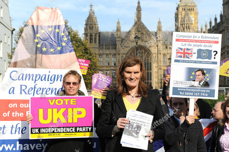 MEP Nikki Sinclaire with protesters