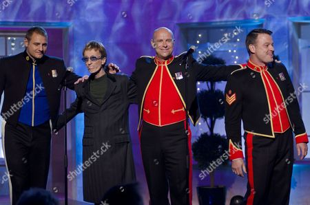 Robin Gibb with The Soldiers - Sergeant Major Gary Chilton, Lance Corporal Ryan Idzi and Sergeant Richie Maddocks