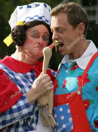Chris Harris as Sarah The Cook and Jon Monie as Idle Jack