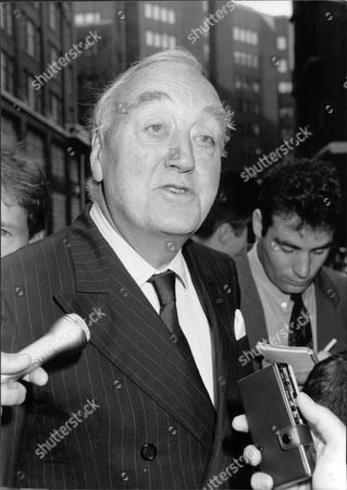 Viscount (william) Whitelaw (dead 7/99) Chairman Of The Carlton Club Outside Westminster Hospital After Visiting Victims Of Last Nights St James's Street Club