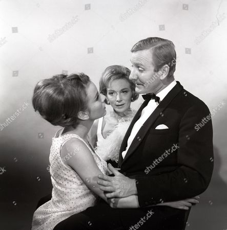 'The Reluctant Debutante' - Philippa Gail, Joan Greenwood and Leslie Phillips