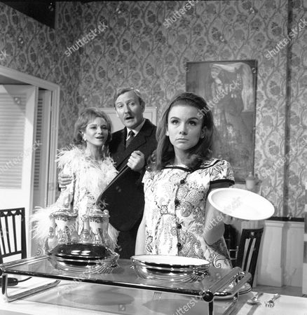 'The Reluctant Debutante' - Joan Greenwood, Leslie Phillips and Philippa Gail