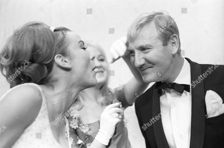 'The Reluctant Debutante' - Philippa Gail, Anna Carteret and Leslie Phillips