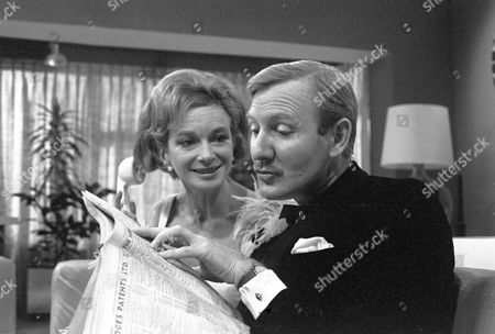 'The Reluctant Debutante' - Joan Greenwood and Leslie Phillips