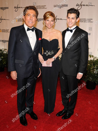 Steve Wynn and Andrea Hissom and Nick Hissom