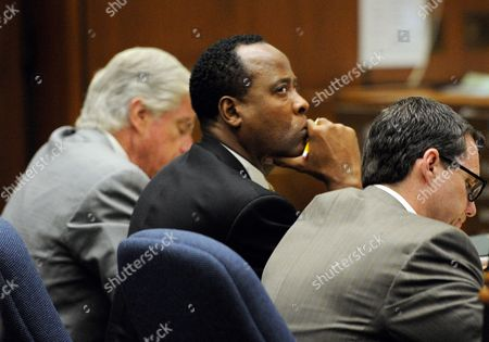 Defence Attorney J. Michael Flanagan, Dr. Conrad Murray and Defence Attorney Edward Chernoff