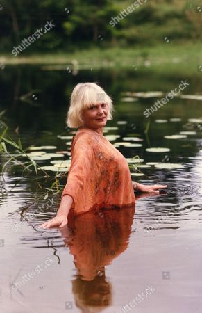 Diane Cilento Actress At Her Property In Northern Queensland Australia. She Was Formerly Married To Sean Connery . Diane Cilento Actress Died 6/10/2011