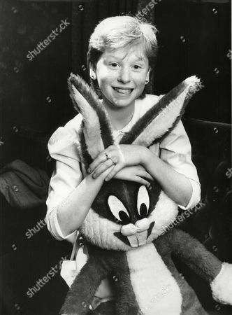 Fay Masterson With Bugs Bunny Toy. She Is Auditioning To Play Pippi Longstocking In Film 1986.
