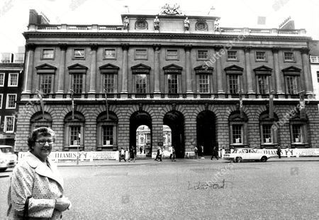 London Somerset House Miss Elizabeth Turner Wilcox Outside Somerset House