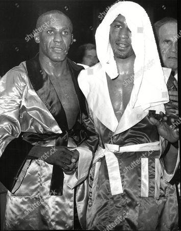 Boxing : Mike Mccallum (left) V Michael Watson (right) (mccallum Won Tko Round 11) Mike Mccallum Vs Michael Watson Middleweight Championship Of The World At The Royal Albert Hall