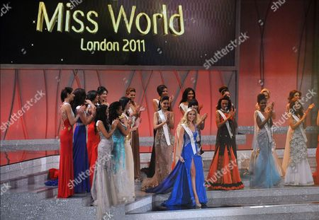 Miss England Alize Mounter wins the Beach beauty round in the 2011 Miss World final