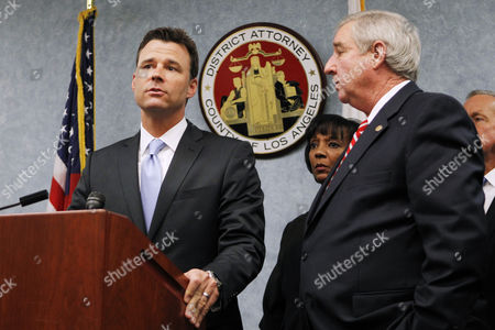 Deputy District Attorney David Walgren, Chief Deputy District Attorney Jackie Lacey and District Attorney Steve Cooley