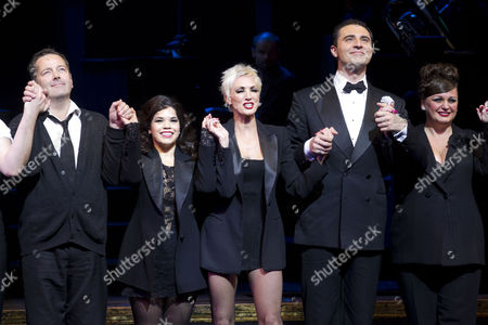 James Doherty (Amos Hart), America Ferrera (Roxie Hart), Amra-Faye Wright (Velma Kelly), Darius Campbell (Billy Flynn) and Jasna Ivir (Matron 'Mama' Morton) during the curtain call
