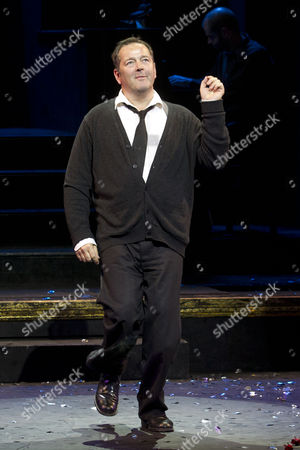James Doherty (Amos Hart) during the curtain call